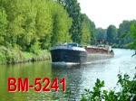 Binnenschiff BM-5241, ENI 08340051, auf dem Teltowkanal bei km 4, Fahrtrichtung Havel. Das Gütermotorschiff ist 56,6m lang, 7,5m breit und hat einen Tiefgang von 1,8m. Das Schiff fährt unter der Flagge von Polen. Video:17.08.2017